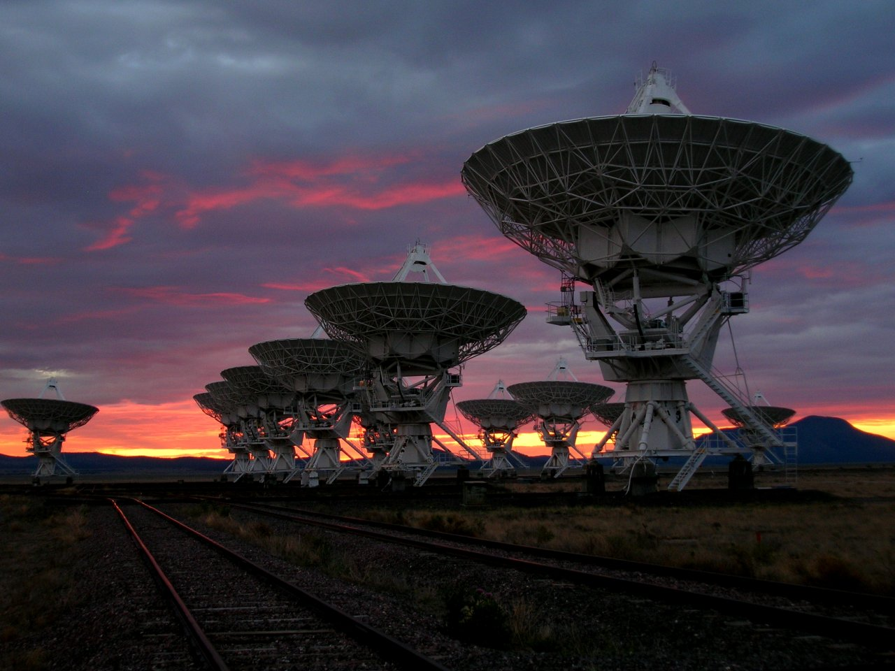 The Very Large Array (VLA) radio telescope at sunrise